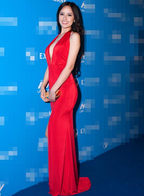 Nghẹt thở ngắm người đẹp tại HTV Awards - 1