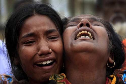 Bangladesh: Người chết vì sập nhà lên tới 622 - 1