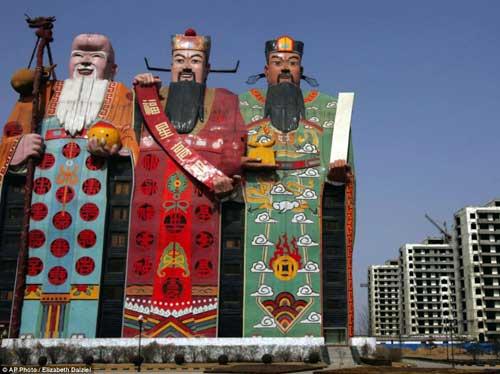 Những tòa nhà kỳ dị nhất Trung Quốc - 1