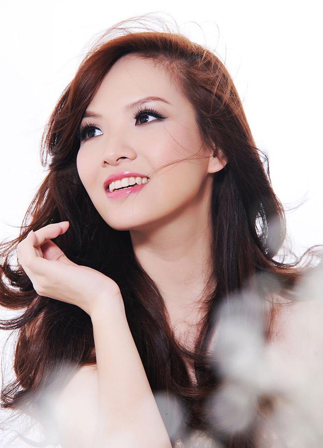 Vai diễn gần đây nhất của Đan Lê nằm trong bộ phim Ba đám cưới, một đời chồng.