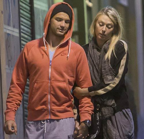 """Sharapova & """"Baby Federer"""" trong men say tình ái - 1"""