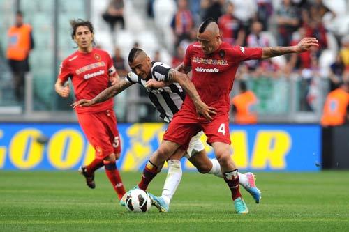 Juventus - Cagliari: Mất kỷ lục - 1