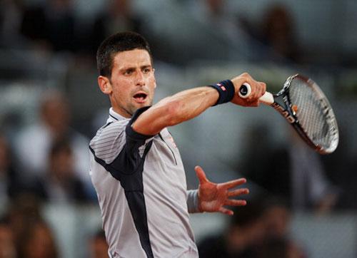 Rome Masters: Nole chung nhánh Nadal, Federer gặp khó - 1