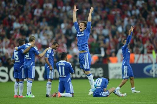 Chelsea & danh hiệu: Xin hãy vượt khó - 1