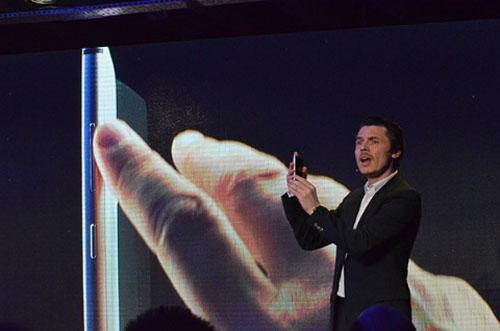 Nokia Lumia 925 ra mắt giá 12,7 triệu đồng - 1
