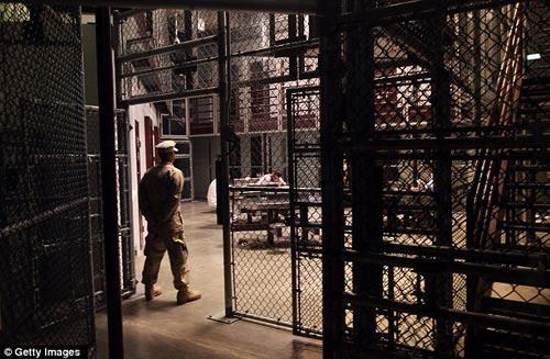 Thâm nhập các nhà tù nổi tiếng (Kỳ 1) - 1