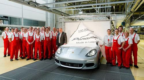 Porsche sản xuất chiếc Panamera thứ 100.000 - 1