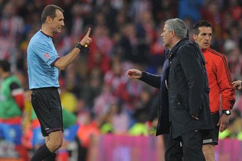 Real trắng tay: Mourinho phải trả giá - 1