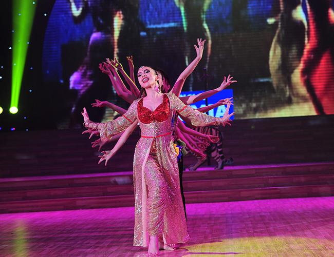 Khi Ban tổ chức đưa ra danh sách các thí sinh, cô là người được cả truyền thông lẫn khán giả đánh giá và nghĩ ngay đến ngôi vị cao nhất.