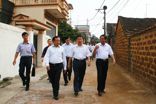 Bí thư Hà Nội xin lỗi dân làng cổ Đường Lâm - 1