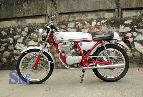 Honda Dream 50: Hàng 'độc' làng xe Việt - 1
