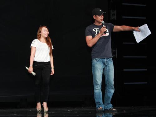 Bình Minh hồi hộp làm MC gameshow lớn - 1