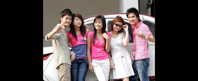 Hoàng Thùy Linh được giới trẻ biết đến với vai nữ chính trong 'Nhật ký Vàng  Anh' (2007).