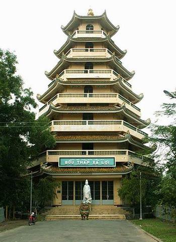 5 ngôi chùa nên viếng vào mùa lễ Phật đản - 1