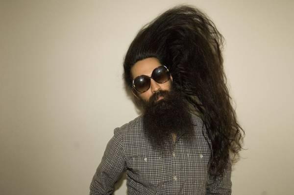 """""""Sốt"""" vì anh chàng rao bán tóc """"còn zin"""" - 1"""