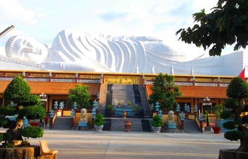 Tượng Phật ở Bình Dương nhận kỷ lục Châu Á - 1