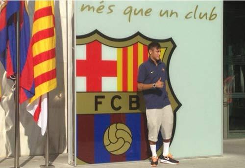 """Neymar """"hoành tráng"""" ra mắt Barca - 1"""