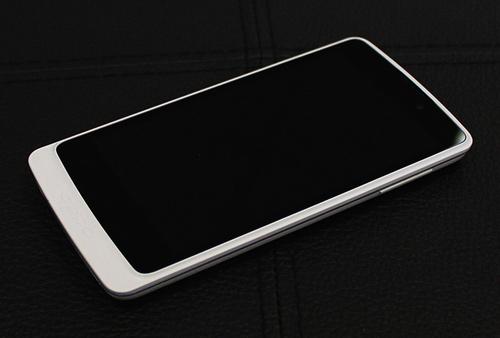 Trên tay smartphone Find Clover - 1