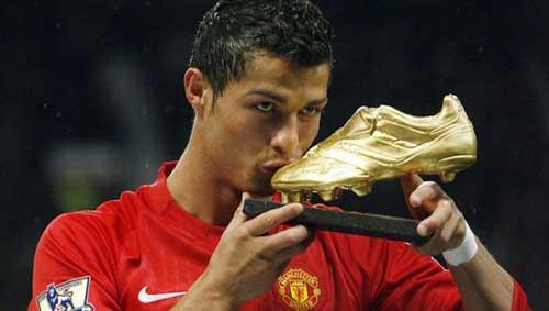 MU đẩy nhanh thương vụ mua Ronaldo - 1