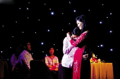 Nước mắt trong showbiz Việt - 1