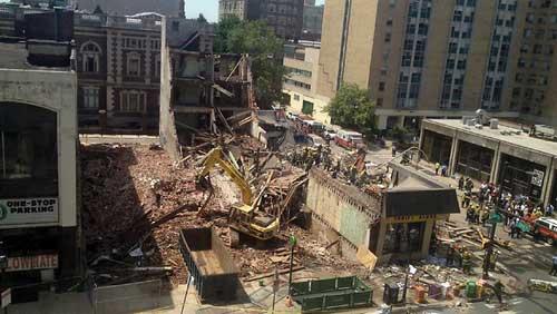 Mỹ: Sập tòa nhà 4 tầng, 14 người bị thương - 1