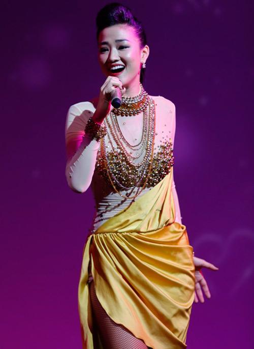 Maya đẹp hút hồn trên sân khấu - 1
