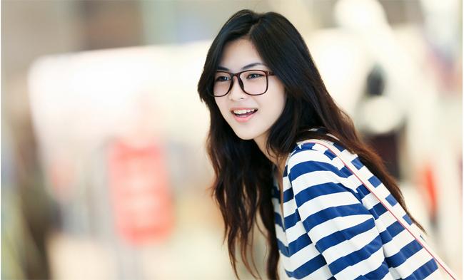 Cùng ngắm vẻ đẹp trong sáng của hot girl Sài thành Helly Tống
