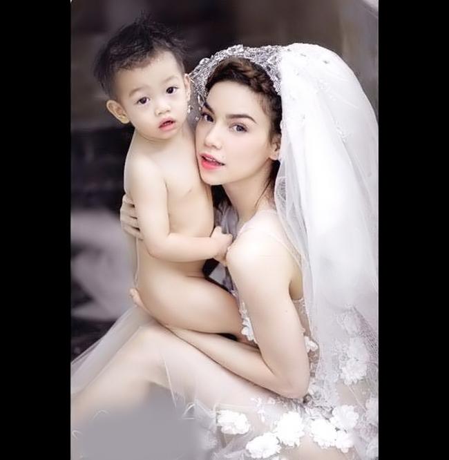 Hồ NgọcHà rất ít khi khoe hình ảnh của bé Subeo - con trai cô và doanh nhân Nguyễn Quốc Cường.