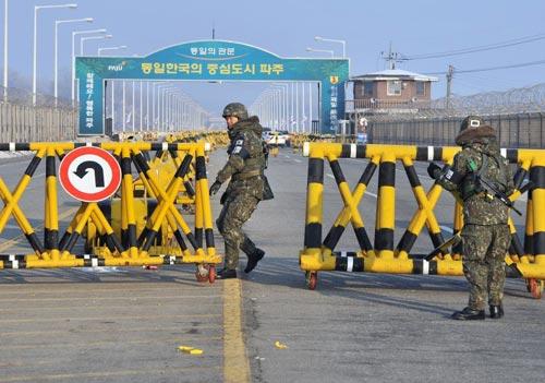 """Triều Tiên: """"Hàn Quốc quá nham hiểm"""" - 1"""
