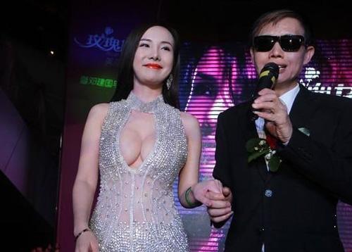 """Gan Lulu bị la mắng vì """"xỏ mũi"""" khán giả - 1"""