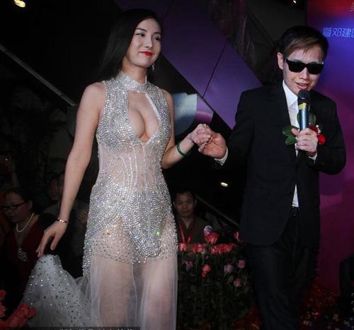 Gan Lulu đính hôn với đạo diễn 53 tuổi - 1