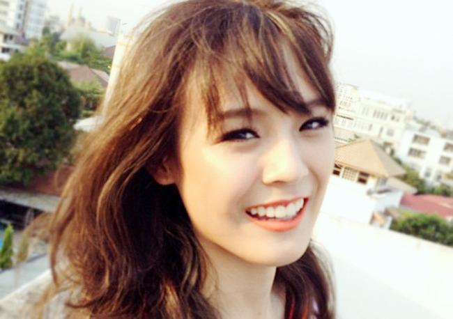 Cô được biết đến như một nhà trang điểm tài  năng, một tín đồ sành thời trang ở Thái và một blogger nổi tiếng.