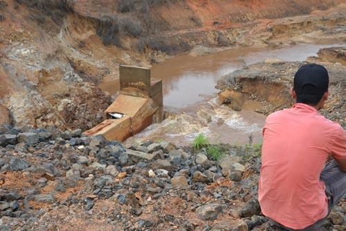 Phó Thủ tướng: Kiểm tra vụ vỡ đập thủy điện - 1
