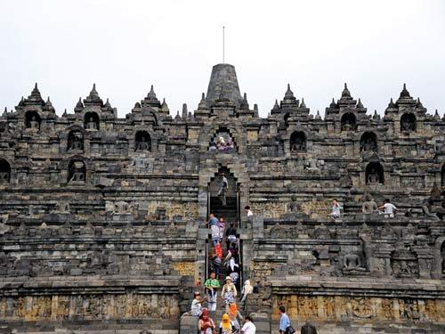 Khám phá vẻ đẹp đền thiêng Borobudur - 1