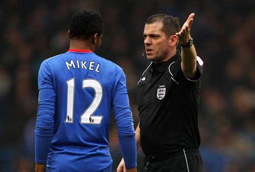 """Mourinho cho Mikel """"ra đường"""" - 1"""