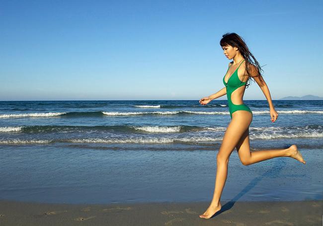 Không thể phủ nhận vẻ đẹp khó cưỡng của siêu mẫu - ca sỹ Hà Anh.