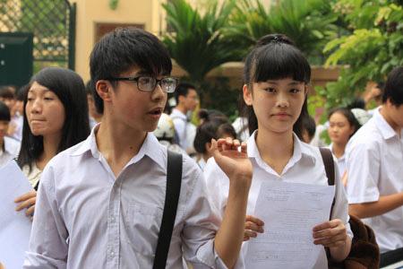 Sáng nay, hơn 70.000 HS Hà Nội thi vào lớp 10 - 1
