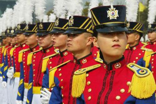 Quân đội Hàn Quốc mạnh tay với tội hiếp dâm - 1