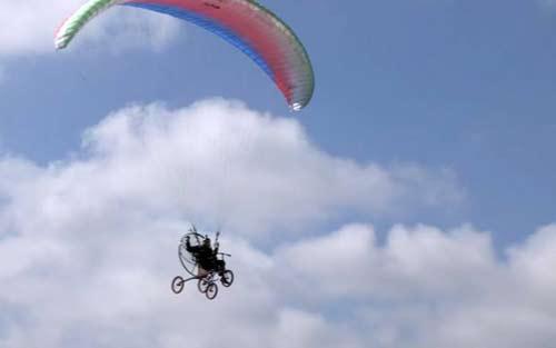 Xe đạp bay kì diệu ở Anh - 1