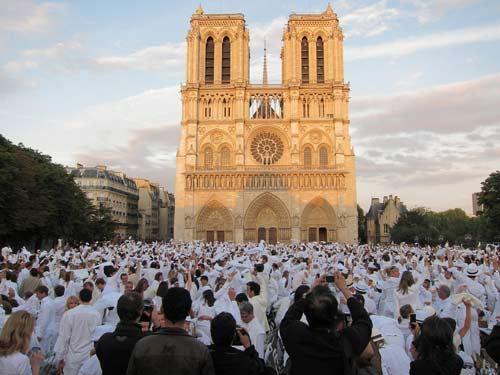 Bữa tiệc trắng 15.000 người ở Paris - 1