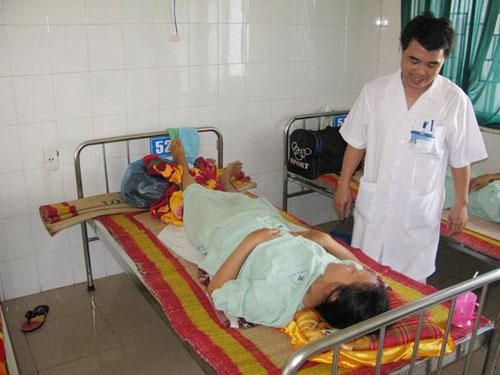 Nạo hút thai, một phụ nữ bị thủng tử cung - 1