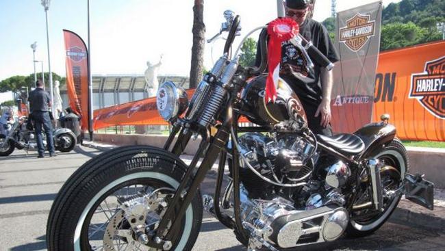 Hàng trăm chiếc Harley-Davidson từ cổ, độ, đến kim đều có mặt tại Rome, Italia để kỷ niệm 110 năm ngày thành lập thương hiệu của hãng.