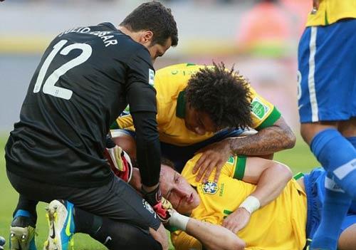 Brazil hạnh phúc sau chiến thắng - 1