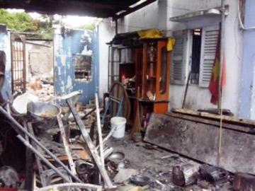 Vụ con phóng hỏa đốt nhà: Nỗi đau mẹ già - 1