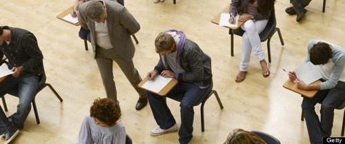 """Pháp: Mẹ """"cưa sừng"""" thi tốt nghiệp thay con - 1"""