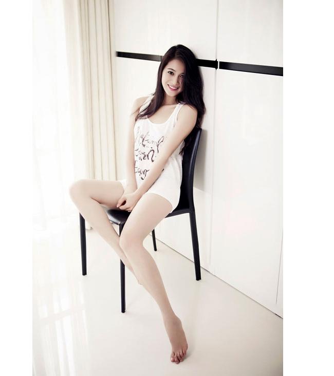 Nhung Kate, bạn gái hiện tại của Johny Trí Nguyễn sở hữu vẻ đẹp đậm chất Á Đông