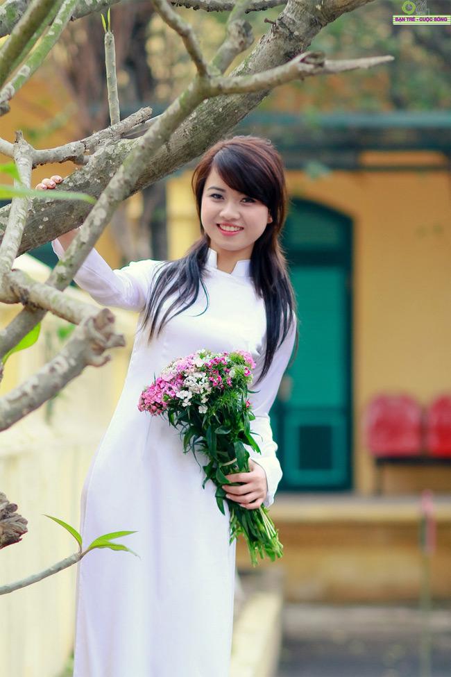 Hương Giang từng lọt vào top 20 Hoa khôi Hà Nội và chung kết cuộc thi Người đẹp Hoa Anh đào