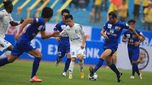 """V13 V-League: Ông Hùng vào """"hang hùm"""" - 1"""
