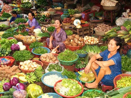 Khoai tây nghi nhiễm độc vẫn ngập chợ - 1