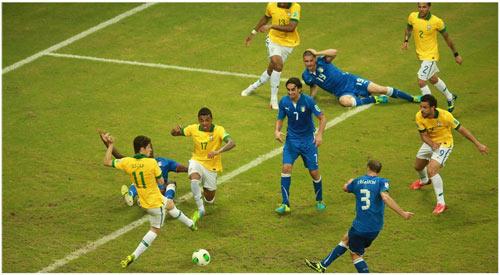 Brazil - Italia: Hiệp 2 cống hiến - 1
